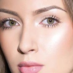 Perfect wedding makeup, natural, fresh makeup, soft pink lips, long lashes, perfect skin and brows