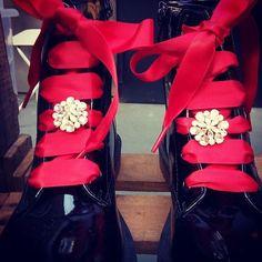nunca mais teremos sapatos aborrecidos Lace, Fashion Trends, Shoes, Racing