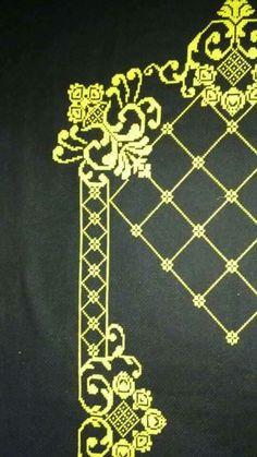 Blackwork, Prayer Rug, Filet Crochet, Diy And Crafts, Cross Stitch, Embroidery, Rugs, Pattern, Tablecloths
