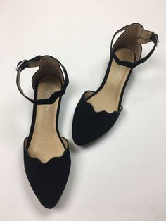 Crazy Ideas Can Change Your Life: Black Shoe fila shoes baddie.Shoes 2018 Adidas balenciaga shoes with jeans. Converse Wedding Shoes, Wedge Wedding Shoes, Flat Prom Shoes, Flat Dress Shoes, Nike Id, Homecoming Shoes, Shoes Ads, Vans Shoes, Adidas Shoes