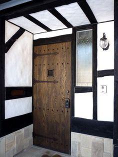 アンティーク仕上げのドア