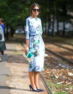 vestido-manga-longa-street-style-looks-azul-floral-scarpin-clutch-maxi
