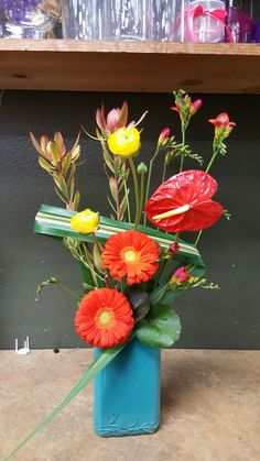 Red flower arrangements for wedding and events