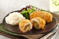 Broccoli-Cheddar Chicken Bundles Recipe - Kraft Recipes - With a meal like this it will look and taste like it came from a 5 Star restaurant. Count this one a winner for you, family and guests. Kraft Foods, Kraft Recipes, Cook Bacon In Microwave, Broccoli Cheddar Chicken, Cheesy Chicken, Breaded Chicken, Chicken Bacon, Healthy Chicken, Grilled Chicken