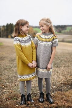 282 Varde family finull - Knitting yarn and knitting patterns - TWO WOMEN Knitting For Kids, Baby Knitting Patterns, Hand Knitting, Knitting Yarn, Crochet Woman, Knit Crochet, Diy Crafts Crochet, Icelandic Sweaters, Knit Baby Dress