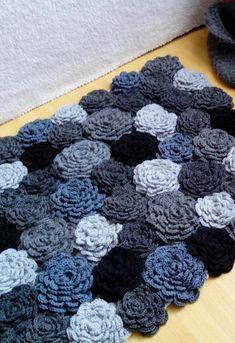 Anti Slip For Carpet Runners Info: 3080720851 Crochet Carpet, Crochet Quilt, Crochet Flower Patterns, Crochet Pillow, Crochet Flowers, Knit Crochet, Crochet Home Decor, Crochet Crafts, Crochet Projects