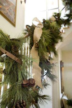 Pretty garland with sleigh bells + ribbon = <3!