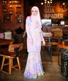 Pinned via #MrsRawabdeh Modest Fashion, Hijab Fashion, Women's Fashion, Fashion Outfits, Modest Dresses, Prom Dresses, Formal Dresses, Beautiful Muslim Women, Abaya Style