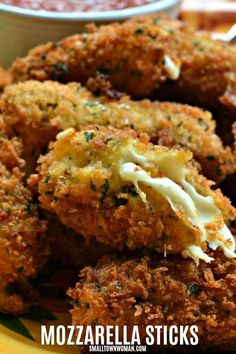 Panko Breaded Mozzarella Sticks are deep fried crispy breaded pieces of mozzarella. They taste so much better than the frozen box kind and they have no preservatives and artificial flavors. Appetizers For Party, Appetizer Recipes, Snack Recipes, Pasta Recipes, Soup Recipes, Vegetarian Appetizers, Cheese Recipes, Recipes Dinner, Potato Recipes