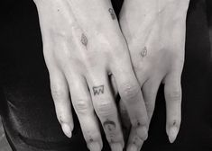 Zoe Kravitz just added another tattoo to her collection, done by celebrity tattoo artist, Dr. Woo.