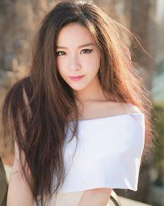 Beautiful Eyes Asian Woman, Asian Girl, Beautiful Smile, South Korean Girls, Asian Beauty, Cute Girls, How To Look Better, Sexy Women, Long Hair Styles