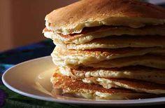 Protein Pancakes:  5 eieren, 1/2 lit. magere melk, 5 eetl. Havermout, 4 eetl. Caseïne Proteïne poeder banaan, Beetje kaneelpoeder Optioneel: 2 eetl. gebroken lijnzaad. Mix alles in de blender. Beslag is dikker dan 'normale' pannenkoeken. Door de caseïne wordt het beslag snel dikker. Wacht even na het mixen en mocht het nog te dun zijn, voeg een halve eetlepel poeder toe. Beetje olijfolie of kokosolie in de pan. Lekker met bosbessen of een halve banaan. Ideaal om mee te nemen als…
