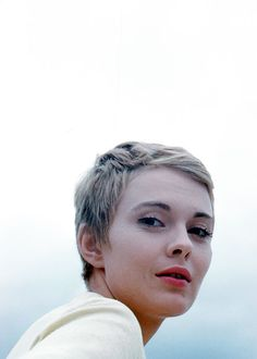 mabellonghetti: Jean Seberg photographed by Peter Basch in between takes on location in Paris during the shooting of the film La récréationon, 1961