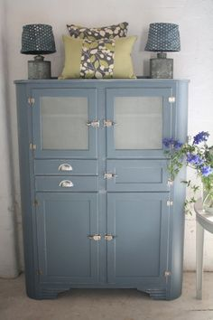 I ♥•レo√乇♥✘ღ✘•✿• ❤*˚bэbэ* •Vintage deco kitchen cupboard