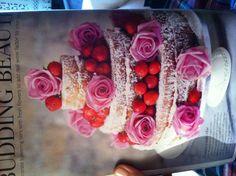 Victoria sponge wedding cake!