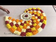 Easy Rangoli Designs Videos, Rangoli Designs Latest, Rangoli Designs Flower, Rangoli Border Designs, Colorful Rangoli Designs, Rangoli Ideas, Rangoli Designs Diwali, Flower Rangoli, Flower Designs