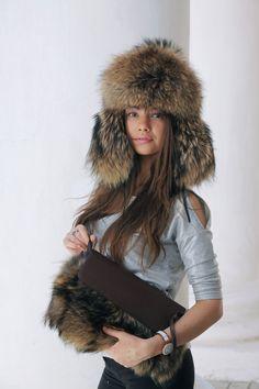 41fefe778dd00b Raccon Fur Hat for Winter - Ushanka Russian Hats Womens - Fur hood - Mens  hat - Trapper Hat with Ear Flaps