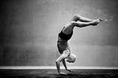 """Peter Holgersson, Suecia 19 Diciembre 2013, Lidingö, Suecia. La atleta sueca Nadja Casadei no ha dejado de entrenar durante el tratamiento al que se sometió para curar un cáncer. Se prepara para los Juegos Olímpicos de Río de Janeiro. 1º premio. Categoría """"Deportes y fotografías de acción"""""""