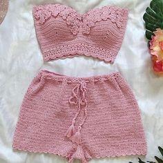 Crochet Bikini Pattern, Crochet Shorts, Crochet Crop Top, Crochet Clothes, Diy Clothes, Knit Crochet, Crochet Bathing Suits, Crochet Stitches For Beginners, Crazy Outfits