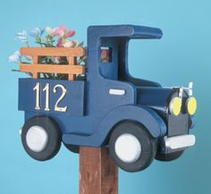 Old Time Truck Mailbox Woodcraft Pattern Turn your mailbox into a stylish old pickup truck. #diy #woodcraftpatterns