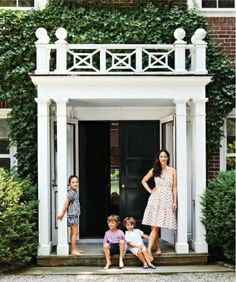 New Exterior Architecture Facade Front Doors Ideas Exterior Design, Interior And Exterior, Exterior Houses, Exterior Doors, Balustrade Balcon, Les Hamptons, Hamptons House, Detail Architecture, House Architecture