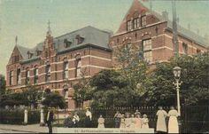 Antoniusschool en klooster ca 1914