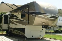 2013 Thor Redwood 36RE for sale by owner on RV Registry http://www.rvregistry.com/used-rv/1010704.htm