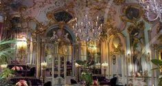 Villa Cora | Hotel di lusso ricavato da una storica villa nelle colline attorno a Firenze  #TuscanyAgriturismoGiratola