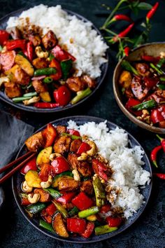 My Kung Pao Chicken is a deliciously spicy stir fry with lots of chunky veggies and chicken, coated in a rich, tasty homemade sauce! Healthy Chinese Recipes, Asian Recipes, Healthy Dinner Recipes, Cooking Recipes, Thai Recipes, Chinese Desserts, Keto Recipes, Pollo Kung Pao, Spicy Chicken Recipes