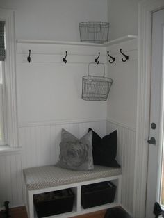 Great idea for the entryway. I think the entryway is what sold me on our house. Great idea for the entryway. I think the entryway is what sold me on our house…but I haven't d Halls Pequenos, Laundry Room Storage, Hallway Storage, Shoe Storage, Entryway Hooks, Rustic Entryway, Entry Way Storage Bench, Storage Hooks, Clothes Storage
