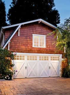 Traditional Home garages Design Ideas, Pictures, Remodel and Decor