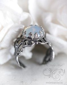 Moon Opal Ring I don't want a diamond Jewelry Box, Jewelery, Jewelry Accessories, Vintage Jewelry, Bullet Jewelry, Silver Jewelry, Vintage Engagement Rings, Opal Rings, White Gold Rings