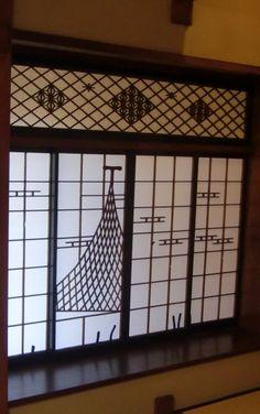 Art Window of Japanese Ryokan Spa Hotel (Ito-City, Shizuoka)|伊東 東海館