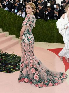 Best Red Carpet Looks From Met Gala 2016 - Celebrity Met Gala Dresses