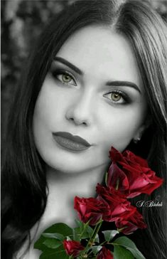 Black and White Portrait Photography: Expert Advice That Helps You Succeed – Black and White Photography Splash Photography, Color Photography, Portrait Photography, Photography Women, Color Splash, Color Pop, Black And White Portraits, Black And White Photography, Splash Images