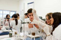 Comenzó el concurso de nanotecnología para adolescentes   Se lanzó una nueva edición de Nanotecnólogos por un día el certamen en el que estudiantes secundarios tendrán la posibilidad de viajar y conocer prestigiosos laboratorios y empresas nano de nuestro país.  Con el objetivo de ubicar la temática nano en el horizonte vocacional de los más jóvenes y fomentar el espíritu emprendedor basado en la innovación la Fundación Argentina de Nanotecnología (FAN) anunció la apertura de la séptima…