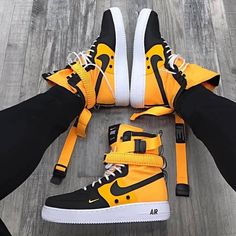 20 sneaker shoes to update you wardrobe today - Bilder Land Sneakers Mode, Sneakers Fashion, Fashion Shoes, Shoes Sneakers, Mens Fashion, Sneakers Workout, Urban Fashion Girls, Superga Sneakers, Adidas Fashion