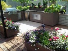 """Learn even more info on """"built in grill on deck"""". Have a look at our internet site. Gas Barbecue Grill, Diy Grill, Grilling, Modern Patio, Modern Landscaping, Chicago Landscape, Outside Grill, Grill Area, Built In Grill"""