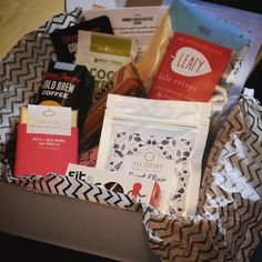 I was hopeful my @lifeboxfoodco would arrive today but I didn't want to get my hopes too high! I can't wait to dig in to this amazing bunch of goodies especially the @minorfigures cold brew coffee and the @rawhalo chocolate - both of which I've been dying to try! Thank you once again @lifeboxfoodco for making my month healthier and brighter  x #healthylife #lifebox #rawfood #alchemy #fitbites #theprimalpantry #phdwoman #positivitea #october #subscriptionbox #healthyeating #foodinspo #cleanse…