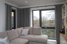 Our made to measure curtains can be fitted on wave tracks. A specially designed glider cord in the track limits the extension of the curtain fabric to create a smooth wave effect. Very elegant. Suitable for bay windows. Bay Window Curtain Poles, Bay Window Blinds, Corner Window Curtains, Floor To Ceiling Curtains, Wave Curtains, Curtains Uk, Long Curtains, Curtains With Blinds, Bay Windows