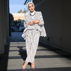 Last nights outfit for the with the team! Now off to the airport to get back to my boys! Modest Dresses, Modest Outfits, Modest Fashion, Hijab Fashion, Girl Fashion, Fashion Dresses, Modest Clothing, Fasion, Muslim Women Fashion