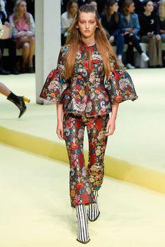 Marques ' Almeida Spring 2017 Ready-to-Wear Collection Photos - Vogue