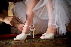 Sapato da Noiva: Ferri Calçados, customizados por Maurice Fuckner
