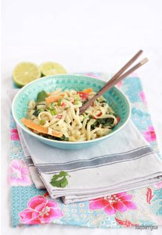 Green Curry Egg Noodles // Eiernudeln in grünem Curry