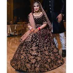 Designer Bridal Lehenga, Wedding Lehenga Designs, Indian Bridal Lehenga, Indian Bridal Outfits, Indian Bridal Fashion, Indian Bridal Wear, Pakistani Bridal Dresses, Indian Fashion Dresses, Bridal Dress Design