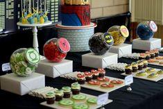 Superhero Guest Dessert Feature   Amy Atlas Events