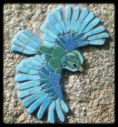 "Introduction to the mosaic: Passionately in Madness. Mosaic the ""Blue Bird"". Mosaic Rocks, Mosaic Tile Art, Mosaic Artwork, Pebble Mosaic, Mosaic Crafts, Mosaic Projects, Mosaic Glass, Mosaic Ideas, Mosaic Animals"