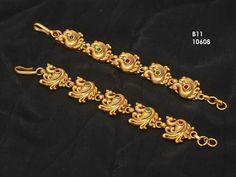 Indian Jewelry Earrings, Jewelry Design Earrings, Indian Wedding Jewelry, Gold Earrings Designs, Gold Jewellery Design, Bridal Jewelry, Gold Temple Jewellery, Gold Jewelry, Beaded Jewelry