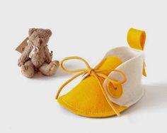 Sapatinho de feltro para chá de bebê. Lembrancinha de chá de bebê, sapatinhos de feltro. Vamos aprender a fazer um sapatinho de feltro pa...