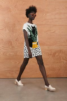 Foto KWR201415 - Karen Walker Resort 2014-15 (1) - Shows - Fashion - VOGUE Nederland